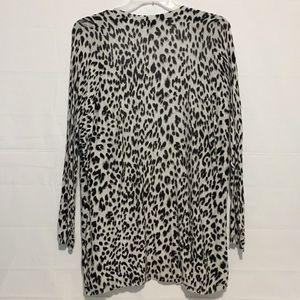 Apt. 9 Sweaters - Apt. 9 Gray Black Animal Print Sweater Womens XL